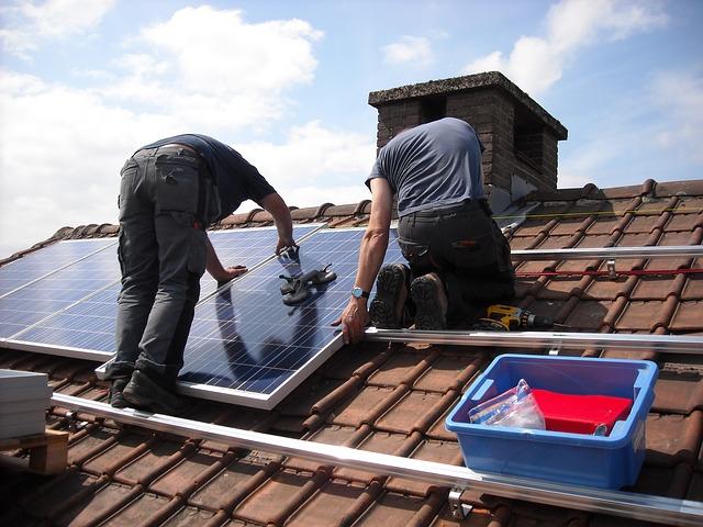 Installation av solceller på tak